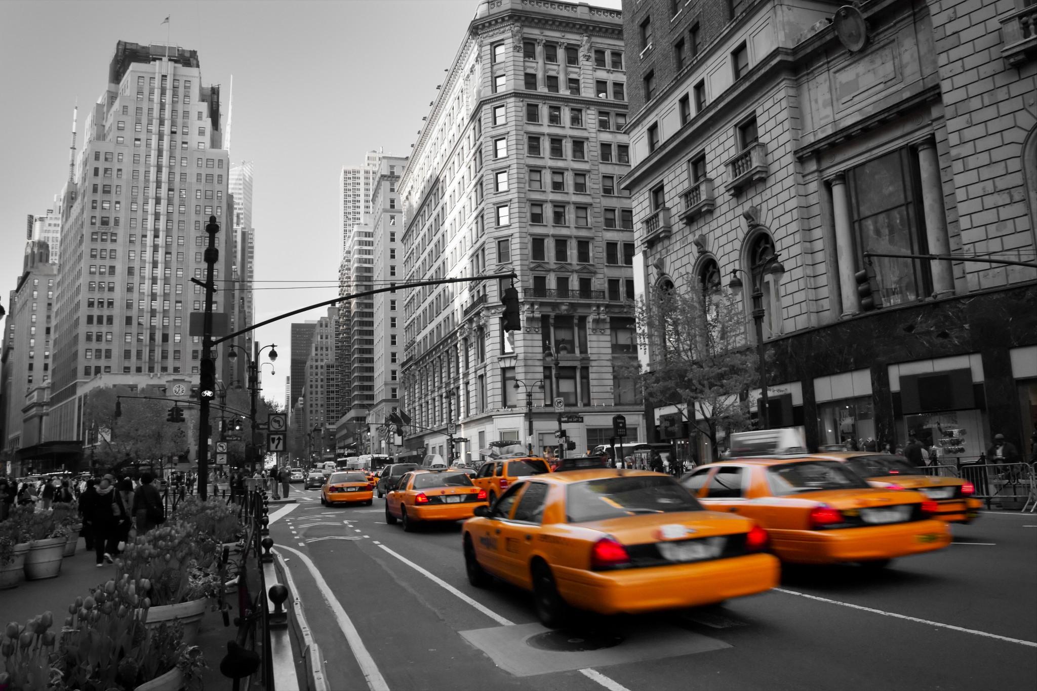 DE MONTRÉAL À NEW-YORK